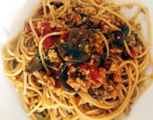 fungocesena_ricetta_Spaghetti-al-ragù-di-seitan-e-funghi