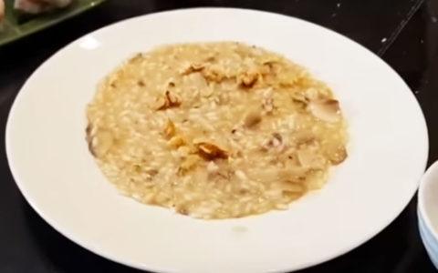 Risotto con Funghi Champignon Noci ed Erbette – Tutorial di Chef Max Mariola